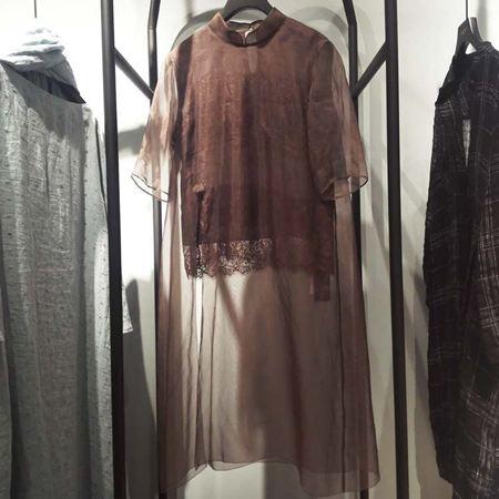 范柏菲 咖色连衣裙 72S90402 新款上市
