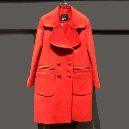 红贝缇 冬款大衣 大红色 都市后花园 D54025
