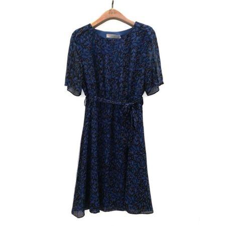易菲 X型短袖连衣裙 1805Y418 萤火之夏